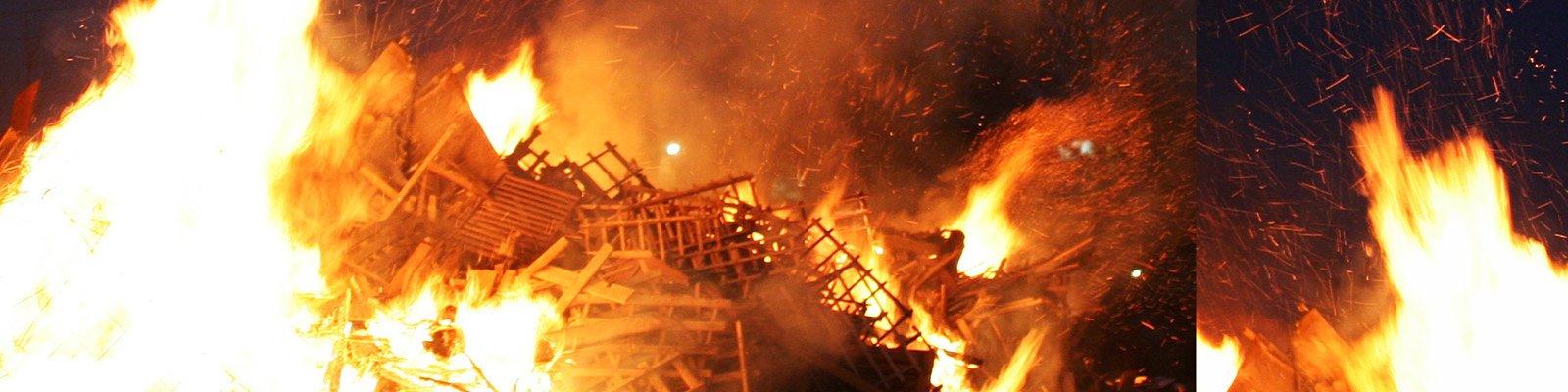 incendio festa zingara